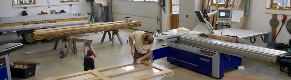 Hallen und Ställe - Holzbau Strasser